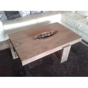 Orechovy stolik